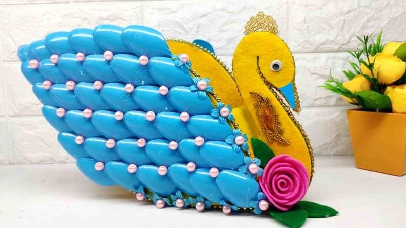 Ide Kreatif Vas Bunga Model Angsa Dari Sendok Plastik Flower Vase from Plastic spoons craft ideas
