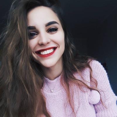 Аня Зуева