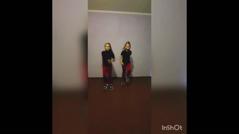 Новожилова Маргарита 8 лет Новожилова Диана 10 лет, Танец про лето ОХА «Запятая»