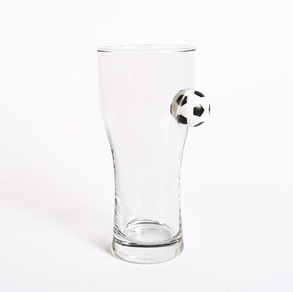 Хотите сделать запоминающийся подарок Стакан с пулей, футбольным мячом или шайбой изготовленный в мастерской В СТАКАНЕ, станет уникальным подарком, как на любой праздник, так и в качестве знака