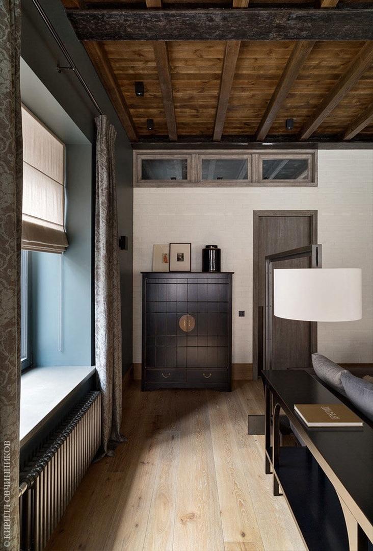 Таунхаус с элементами шале в бывшем гаражном помещении в Москве от KRAUZE architects || 02