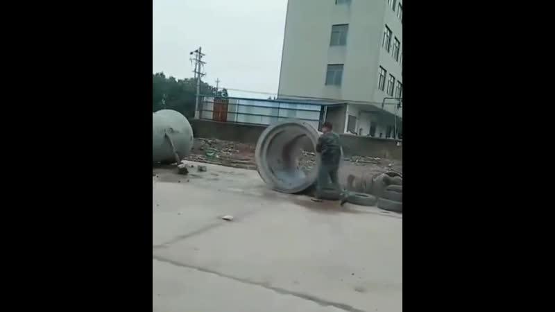 Разгрузка колец в одиночку Видео прикол