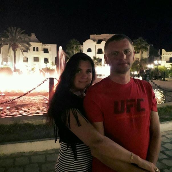 Супружеская пара с ребенком отправилась на отдых в Турцию и попала под колеса автомобиля местного водителя Случай произошел в Аланьи, куда 37-летняя Анна Балакина вместе с 39-летним супругом