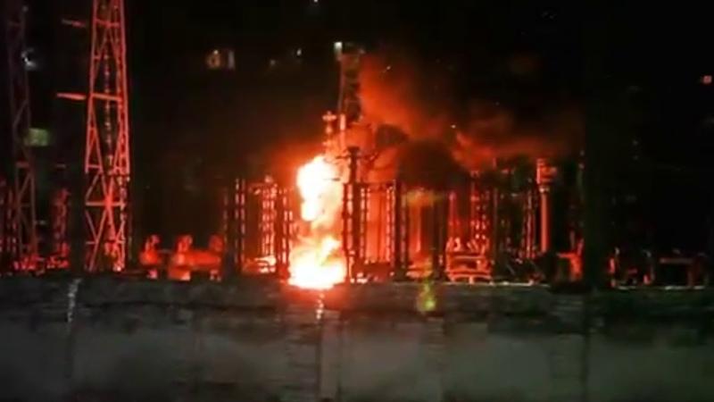 пожар на ТЭС в Энергодаре сегодня, Запорожье . Украина Вибух в Енергодарі на ТЕС. Новости