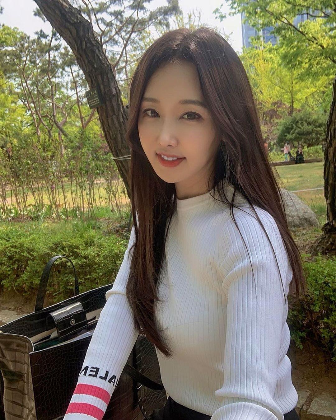51- летняя кореянка Ли Су Джин сохраняет свою красоту, здоровье и все благодаря здоровому питанию и спорту