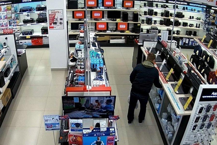В.Дубне задержали подозреваемого в краже из магазина цифровой техники