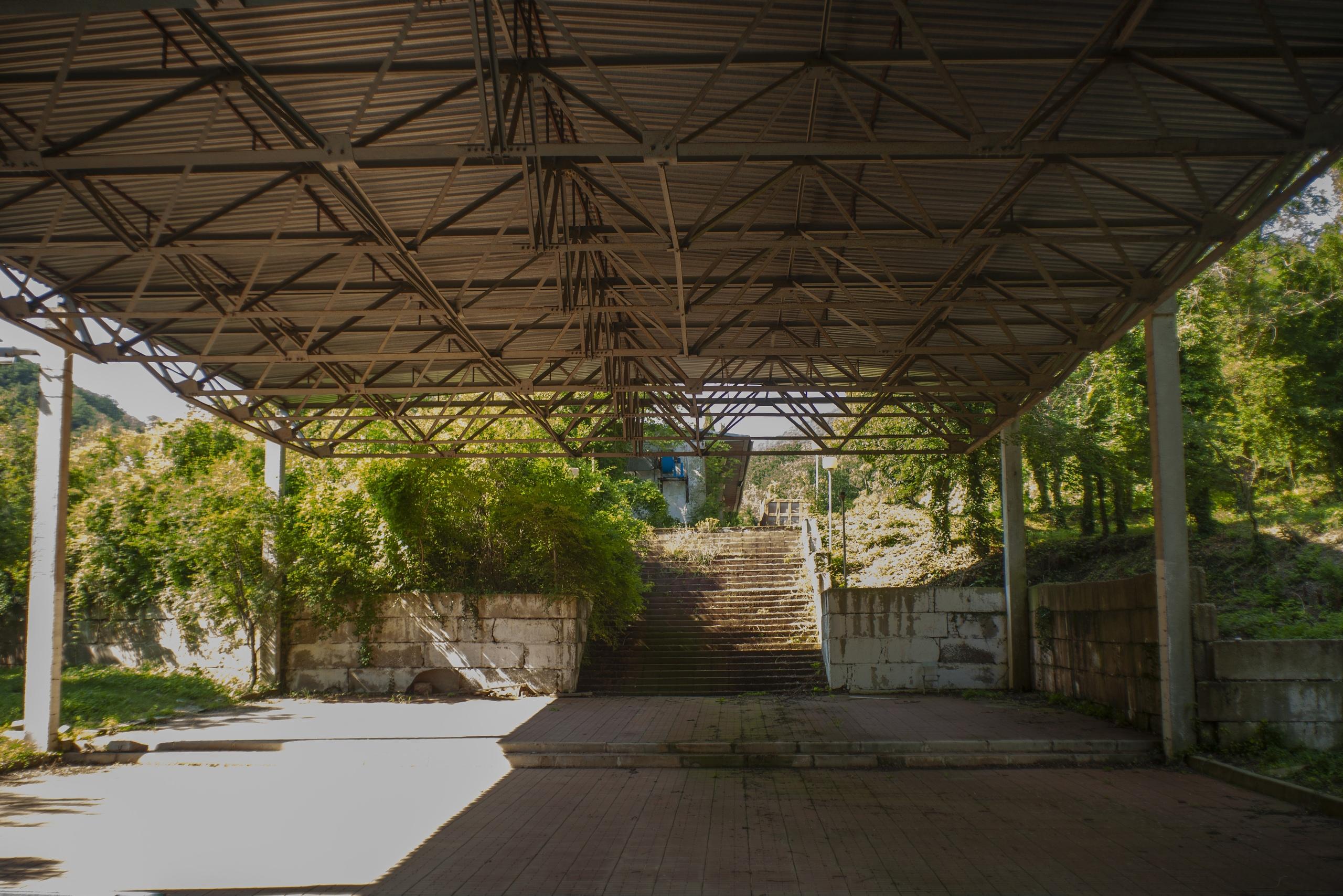 Заброшенная база отдыха близ Криницы - Фото