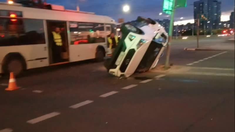 Авария Тралик Hyundai = Тачка на Боку