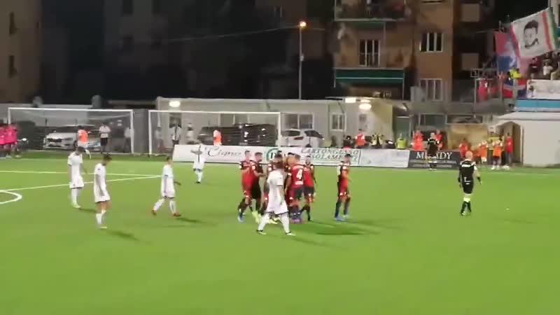 Шёне забил свой дебютный гол за Дженоа