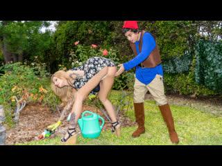 Joslyn James - Lil Lawn Gnome - All Sex Milf Cosplay Big Tits Juicy Ass Blonde Deepthroat Hardcore Chubby Boobs Booty Gonzo Porn