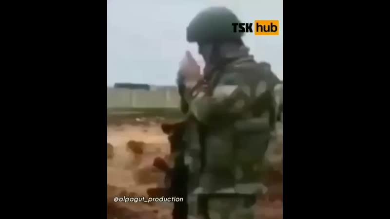 Турецкая РСЗО Т 122 Sakarya ведет огонь