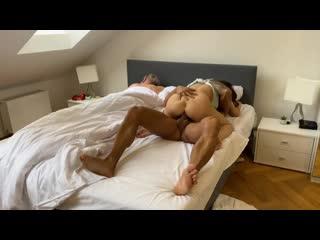 Трахает чужую жену пока муж спит бухой порно, секс, трахает, русское, инцест, мамка, домашнее