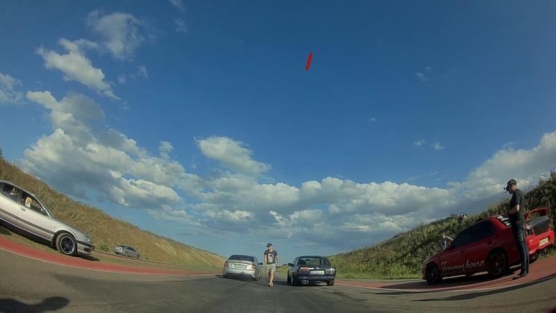 Subaru Legasy 2 0 Turbo vs Bmw E30 2 8 atmo Dragracing FPV Drone