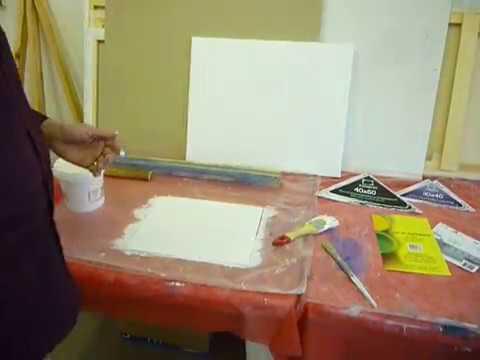 Грунтуем фабричный холст, чтобы краски не прожухали.