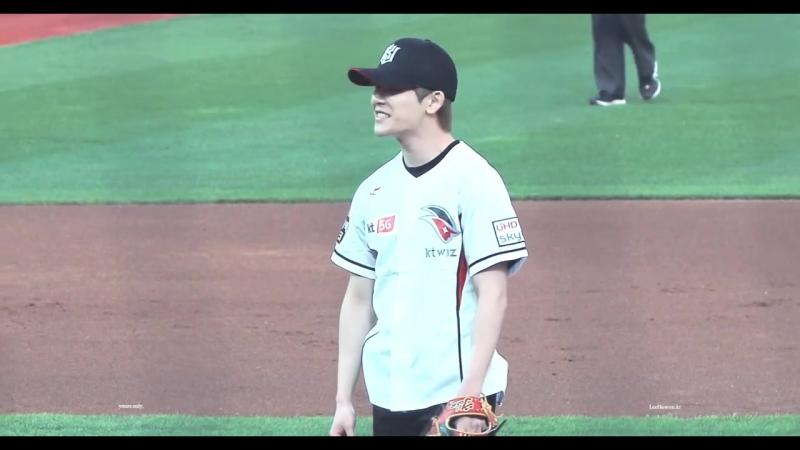 4K 180427 2018 KBO 수원 kt wiz 홈경기 시구 영광고 야구부 11번 호원 선배