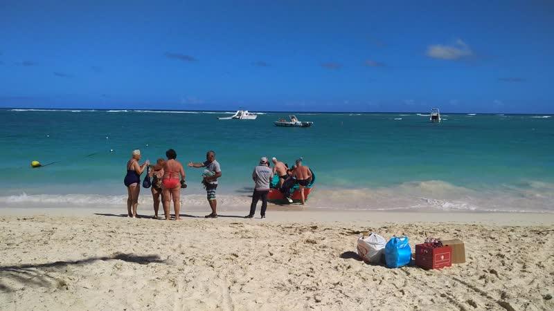 белые рабы бегут с нашего острова