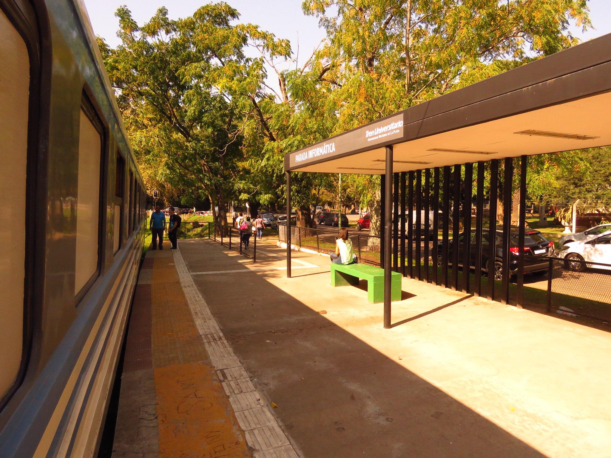 Электричкой из Буэнос-Айреса. Университетский поезд в Ла-Плате и береговой поезд в Тигре железные дороги
