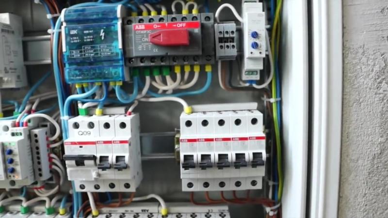 1. Электрика в доме. Часть 1. Хороший электрощит. Что должно быть обязательно.