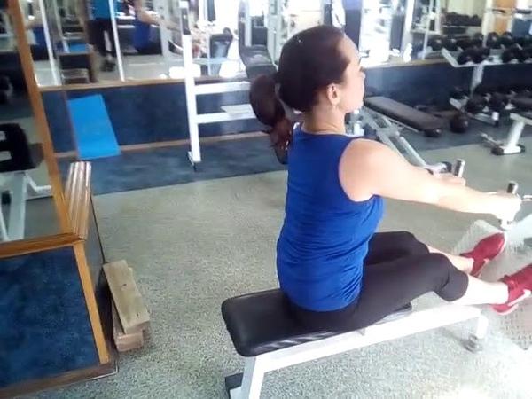 Проработка мышц спины тяга блока к поясу