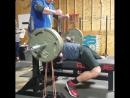 Кайлер Вулам - жим лежа 185 кг узким хватом