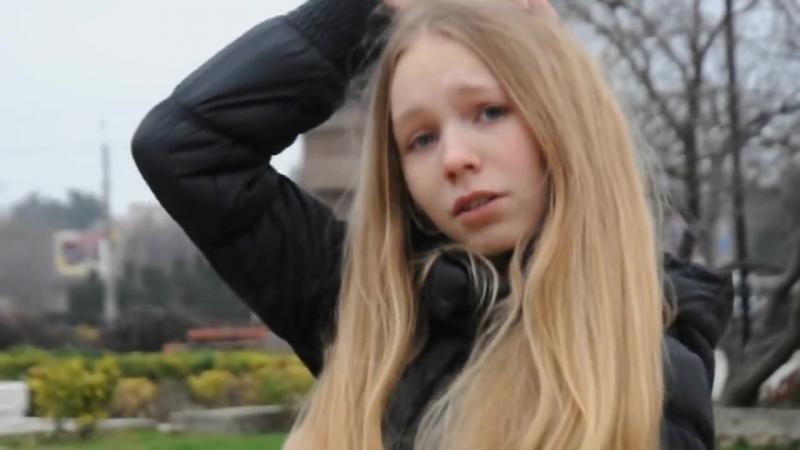 Сфоткала?Красивая школьница(малолетка,teen,вписка,спалилась,14 лет,15,18,daddy,перископ,кончила,skinny)
