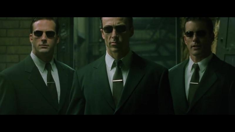 Нео бьется против трех агентов Матрица Перезагрузка 2003