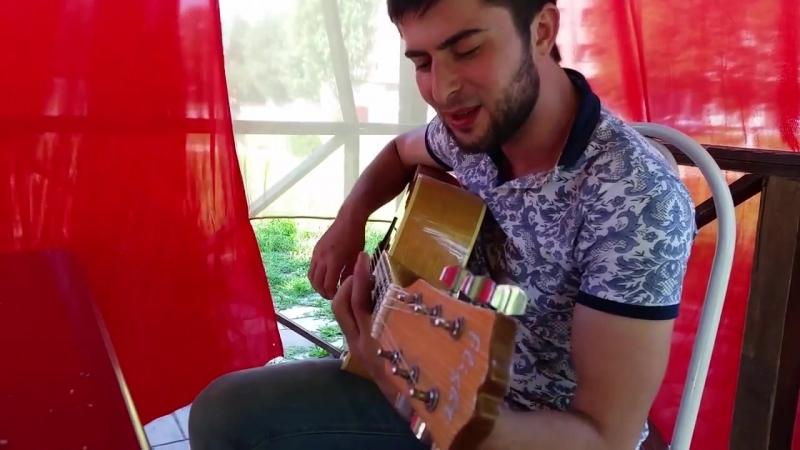 Магомед Берсанукаев - Пусть весь мир перевернется(под гитару)