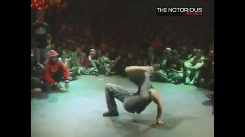 IBE-2004 - bboy Rubberlegz vs bboy Junior (Дания-Германия vs. Фганция)