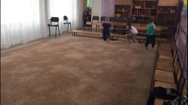 Каратэ Детский сад 69 Тренер Пьянкова Юлия Денисовна  Игры на ловкость и внимательность