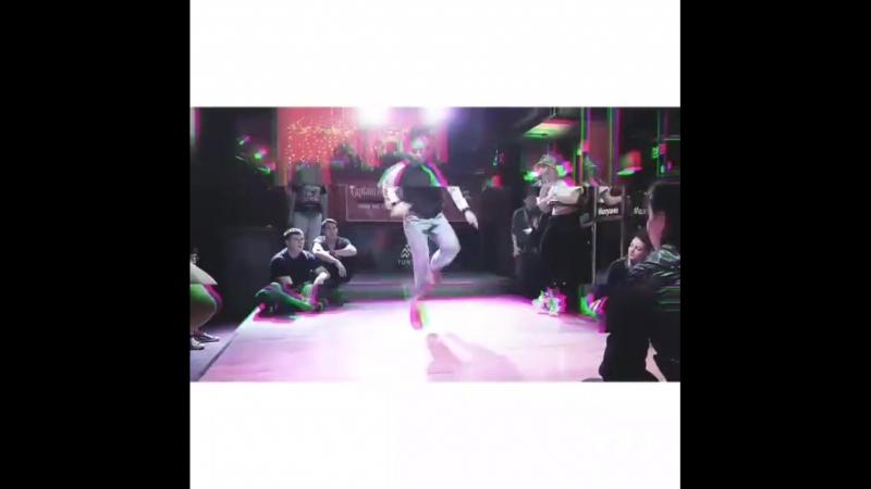 1-е место Попова Виолетта в батле Shake it up