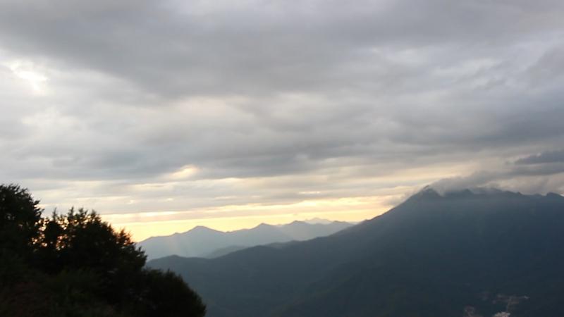 Горная карусель 2200м Спуск Закат в горах