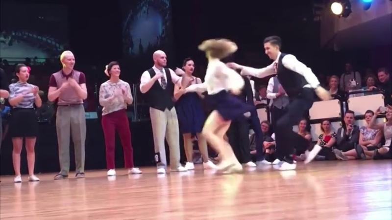 Танцы Рок фестиваль под песню группы Band Odessa Цыганка пляшет