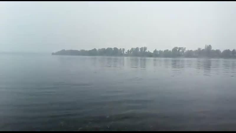 Дым от лесных пожаров над рекой Енисей
