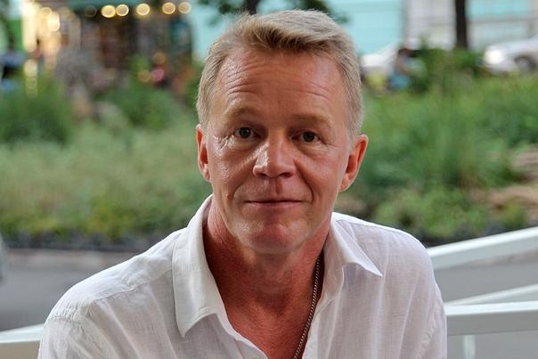 Александр Кузнецов скончался от рака в 59.