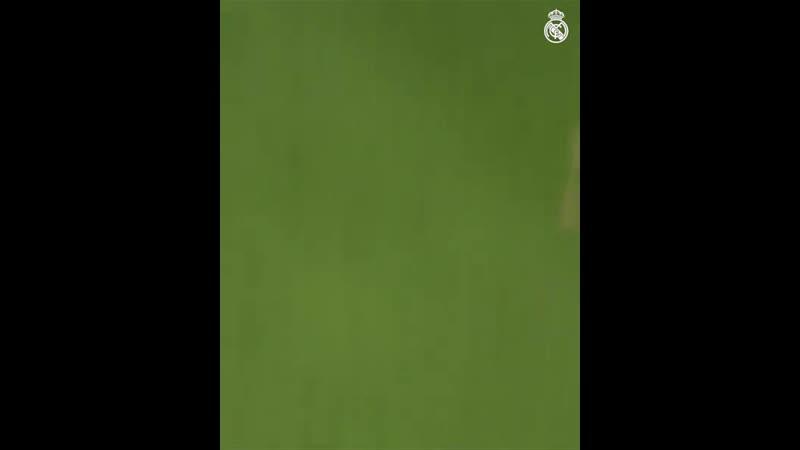 Яркий гол от Бекхэма и Зидана