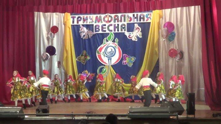 Танцевальный коллектив Родничок танец Матрешки