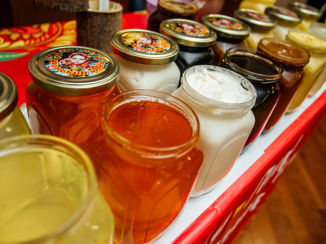 Роман Старовойт: нужно развивать бренд «Курский мёд»