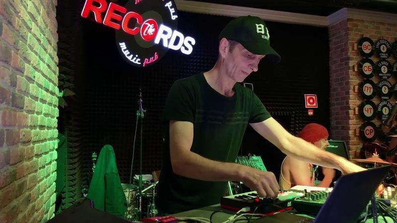 Dikari YOKEY Debute in Records Music PUB