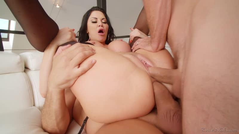 Big Tits Bubble Butt Milf