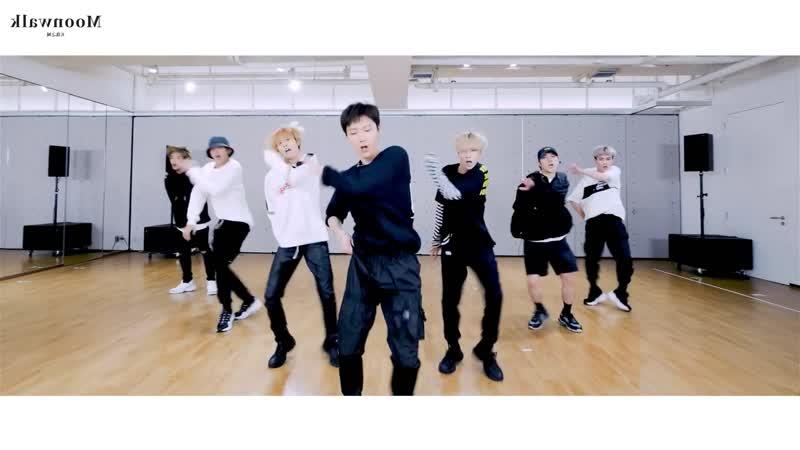 WayV (威神V) - Moonwalk (天选之城) Dance Practice [Mirrored]