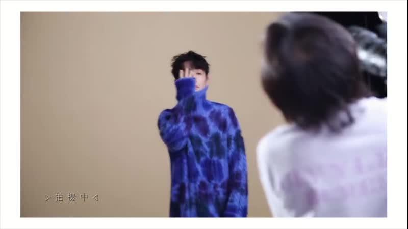 ZhuYilong Ух ты, какой синенький свитер. ))