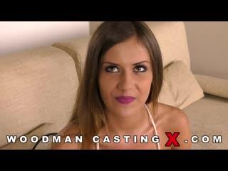 Ненасытная мадама из франции Mina Sauvage пытается удовлетворить запросы с Вудманом и КО