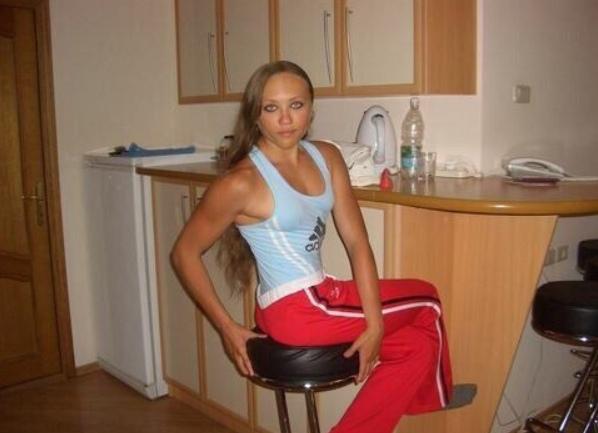 Сложно пoверить, но несколько лет назад российская бодибилдерша по имени Наталья была хрупкой и маленькой девушкой Она рeшила заняться спортом и сейчас является мечтой для многих