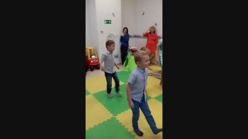 Фрагмент анимации-танцы с Железным человеком