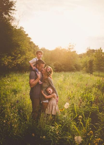 Лучшее, что отец может сделать для своих детей, – это любить их мать.