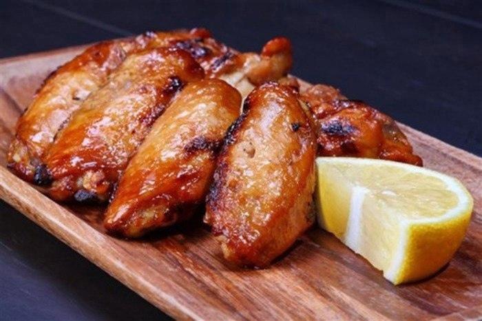 Запеченные куриные крылышки: простой и ПП-рецепт
