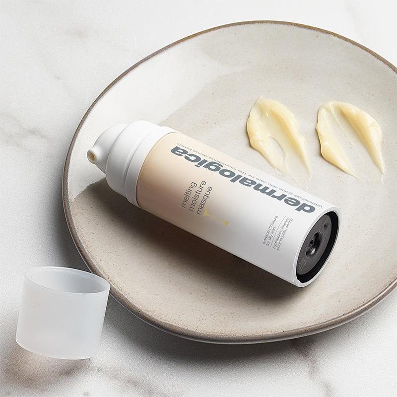 Новая Melting Moisture Masque восстанавливает липидный барьер и защищает кожу от этих повреждающих факторов., изображение №1