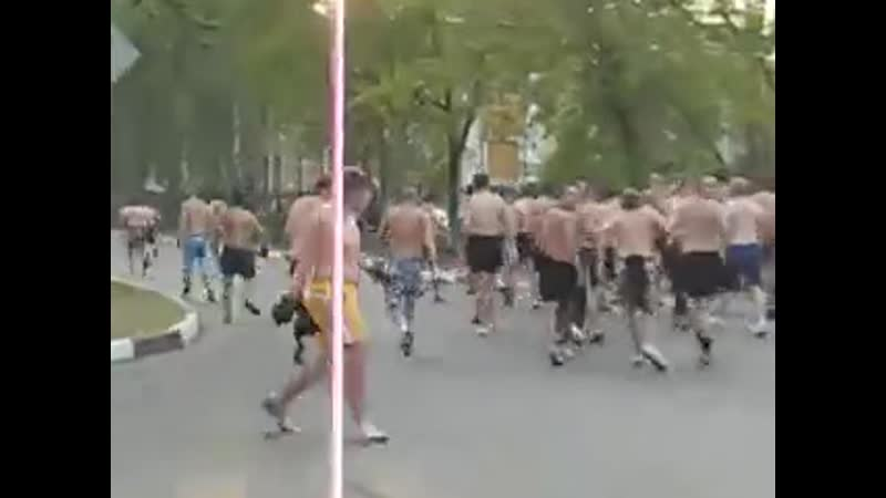 Один кавказец разогнал всех фашистов (Москва) (240p).mp4