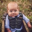 Этот малыш выглядит так, будто уже встречает вас за барной стойкой в своем собственном пабе…