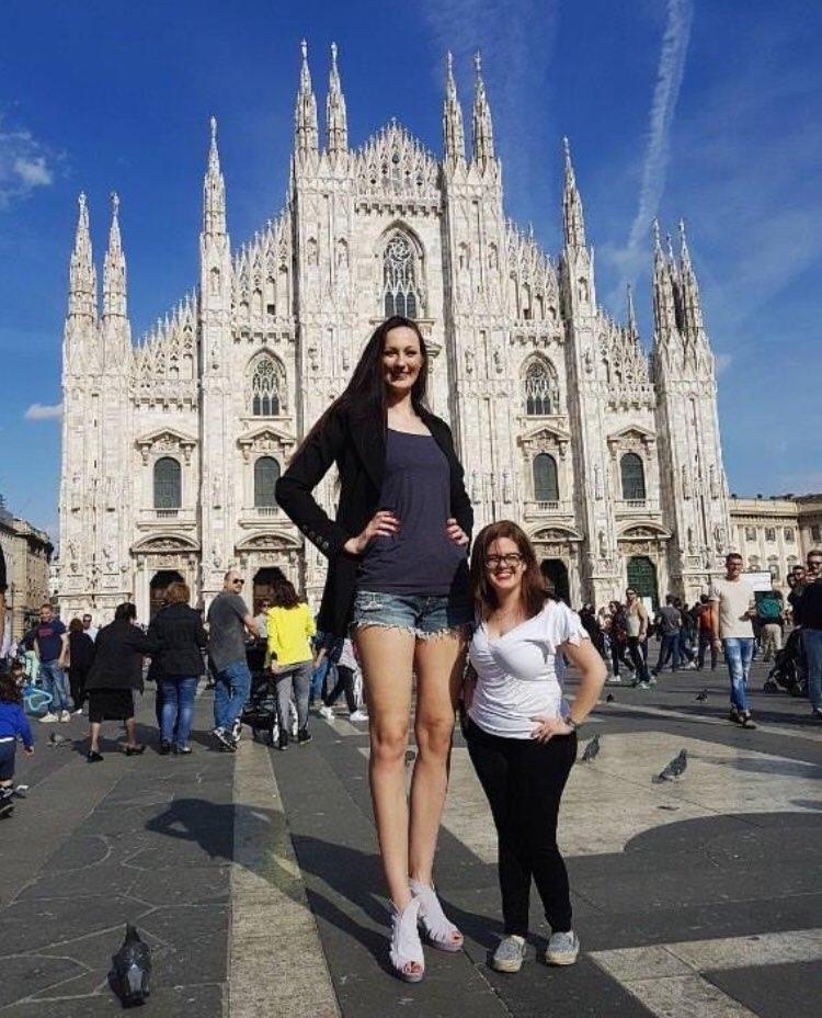 Екатерина Лисина — самая высокая девушка России, её рост 205,7 см